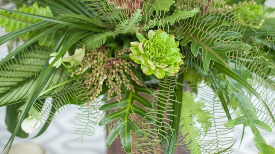 Bloommonster_vendor__0002_twincitymitzvahs_bloommonster_flowers_pineaple_fern