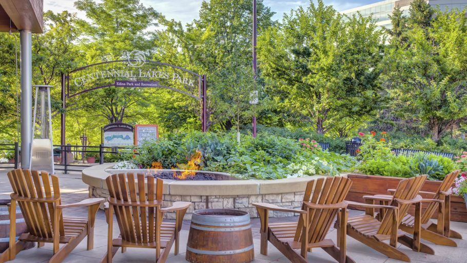 Vendor_Pinstripes_0000s_0003_03_Edina_Patio_Firepit_005 - Mary Lindahl