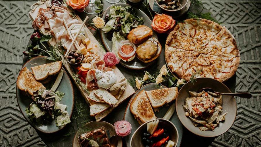 vendor-minneapolis-mitzvah-venue-elliot-park-hotel-food-top-down