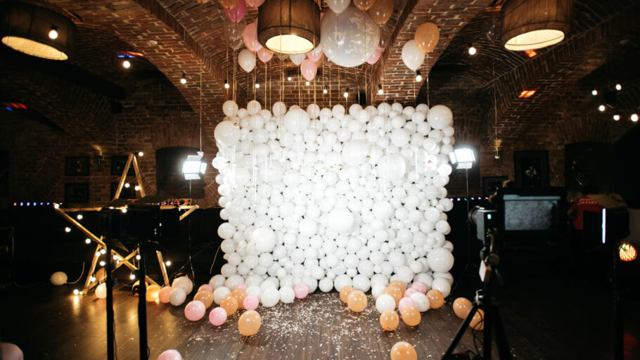 a balloon wall for selfies and portraits