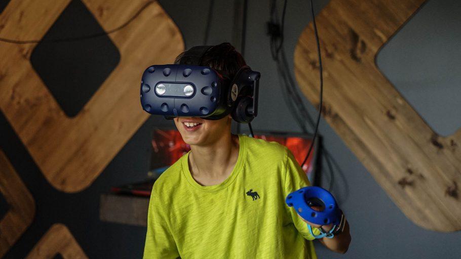 REM5-VR-Vendor-TwinCityMitzvahs_0000s_0002_DSC02646 - Brian Skalak